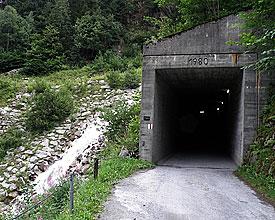 Über den Gotthard  Von Amsteg nach Bellinzona